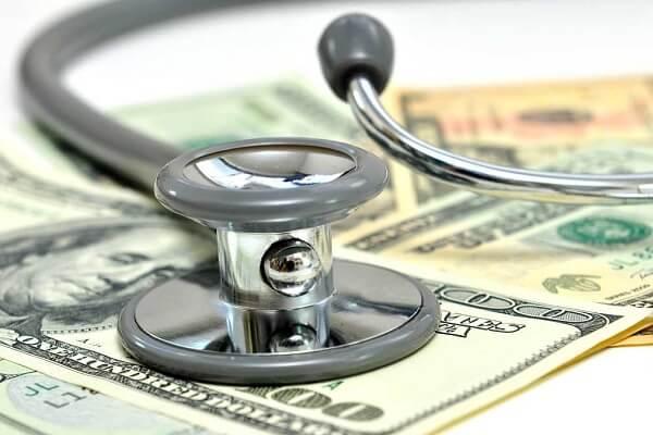 محاسبه بیمه مسئولیت پزشکان و پیراپزشکان